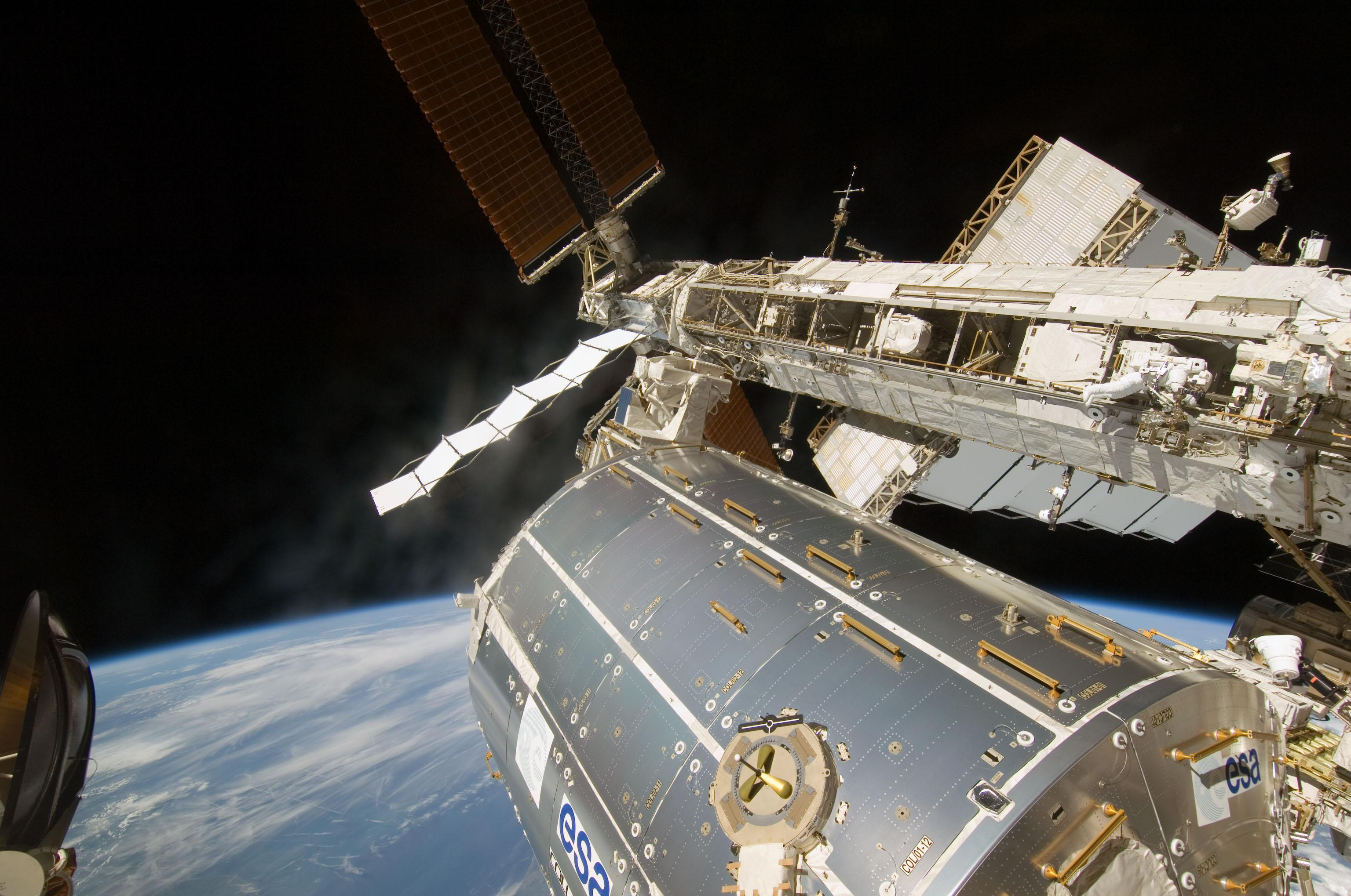 Third spacewalk completed nasa for When was the international space station built