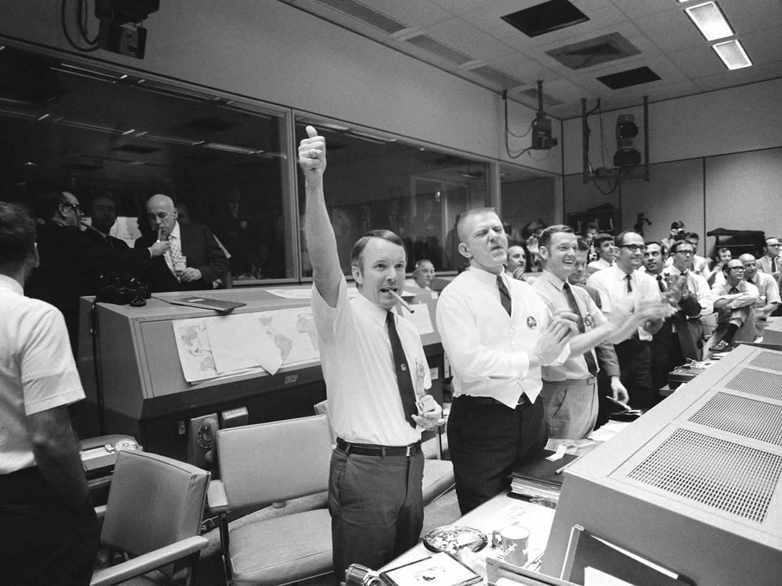 Mission Control Celebrates Apollo 13 Splashdown   NASA