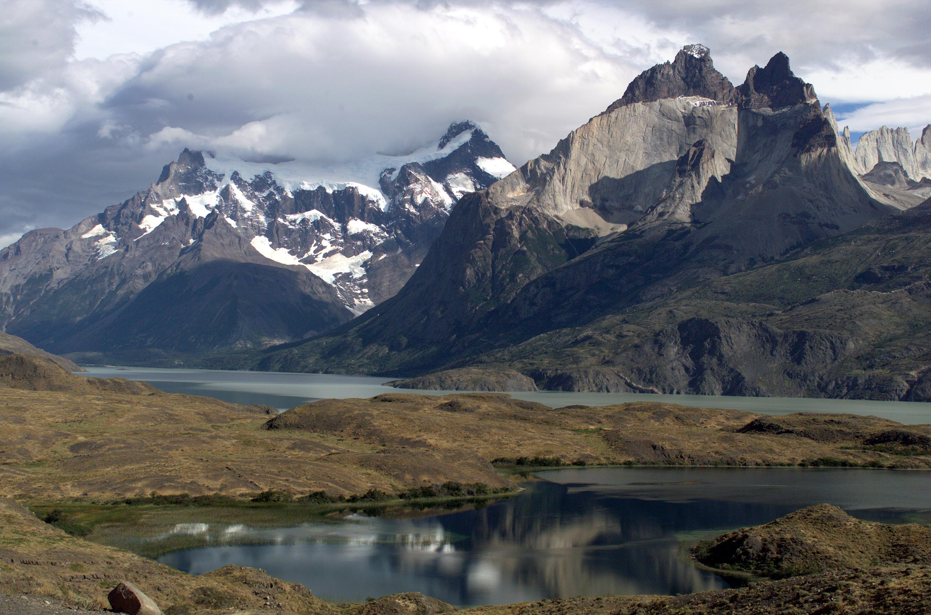Cuernos del Paine Mountains in Torres del Paine National ...