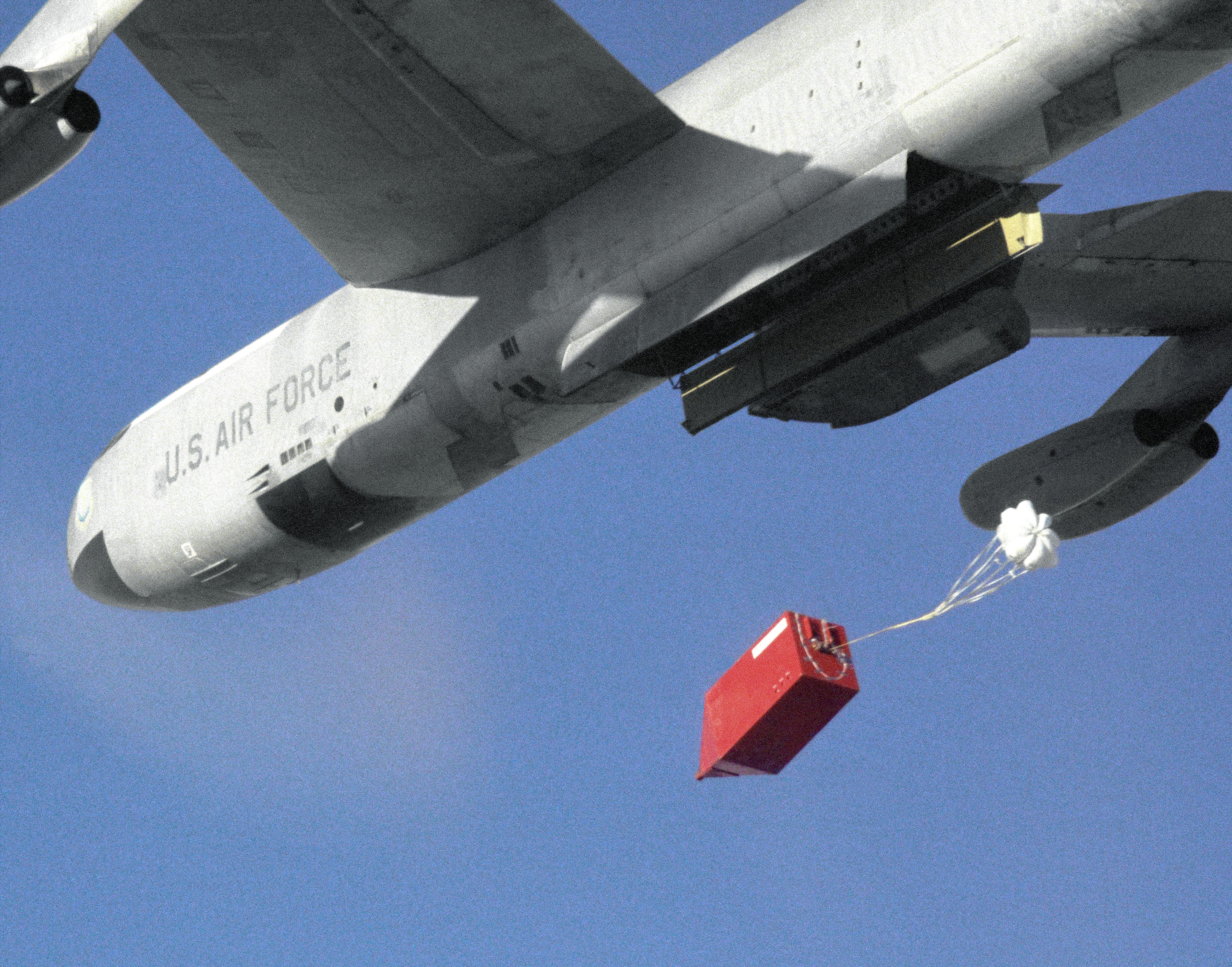 "B-52 Drops New Parachute System for F-111 ""Aardvark ..."
