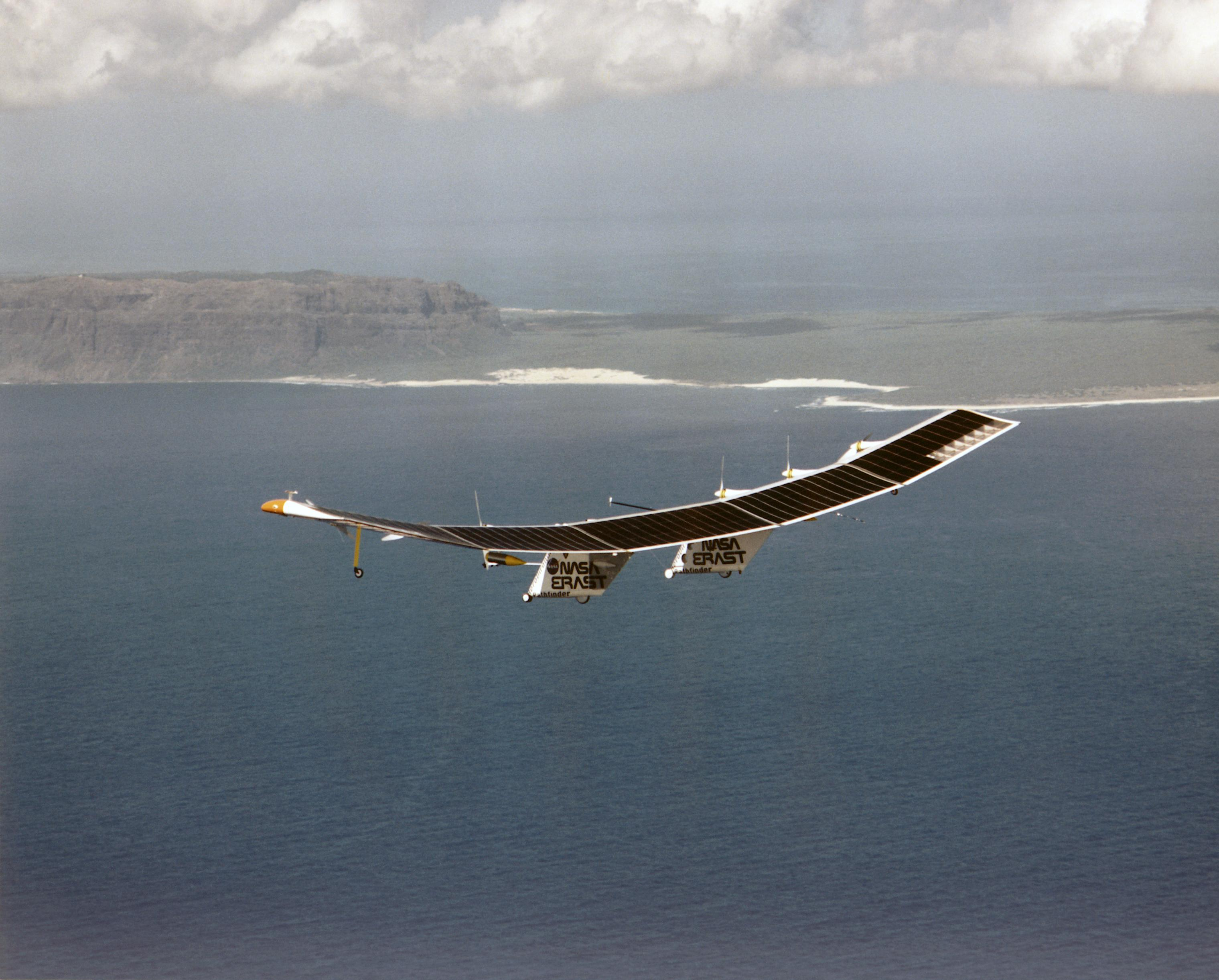 Pathfinder research Aircraft in Flight 8X12 PHOTOGRAPH NASA A