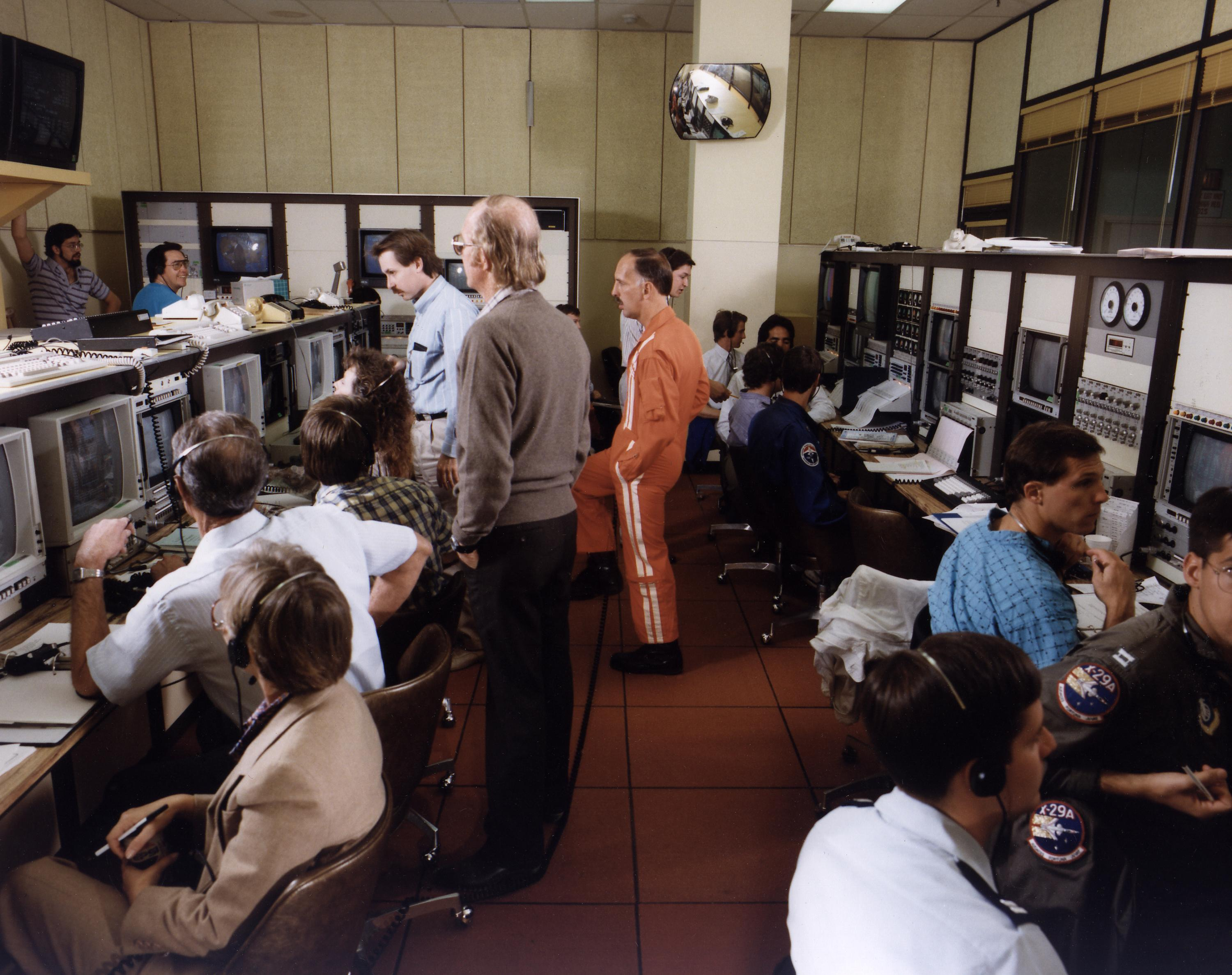 70s NASA Command Center  Pics about space
