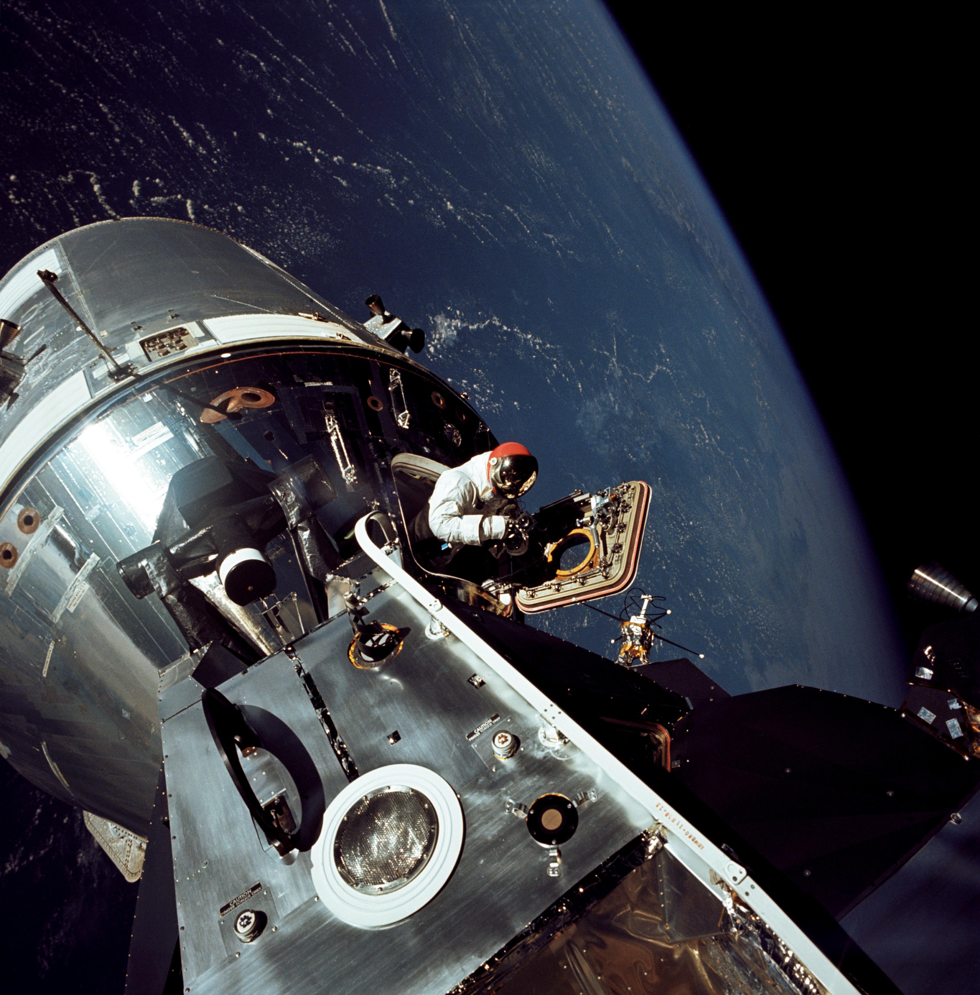 space apollo mission astronauts - photo #25