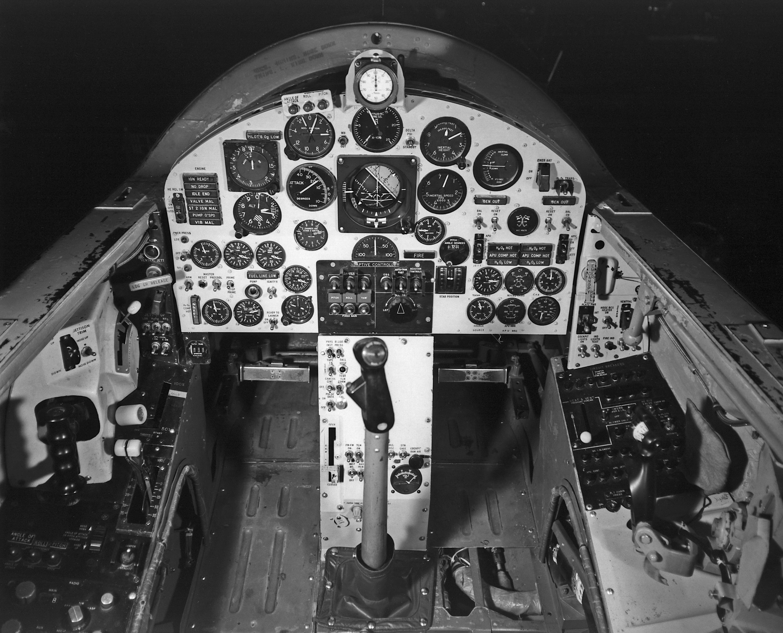 cockpit nasa saucer - photo #35
