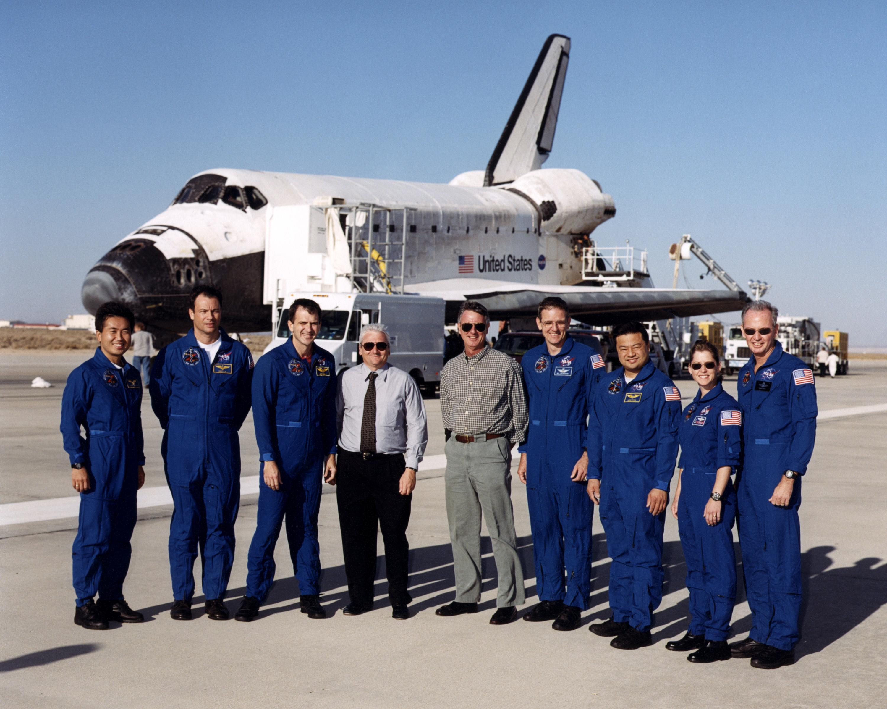 space shuttle discovery crew - photo #23