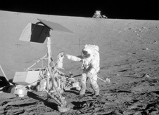 Alan Bean inspects Surveyor 3