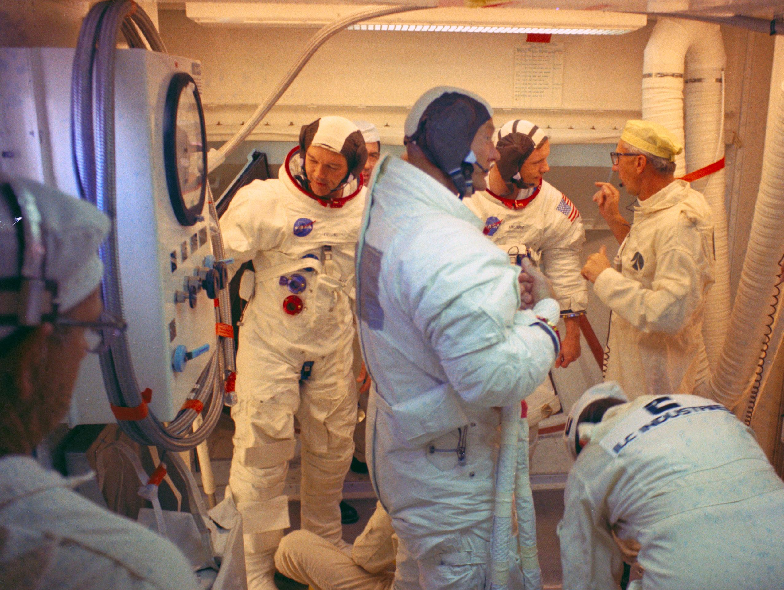 apollo space crews - photo #36