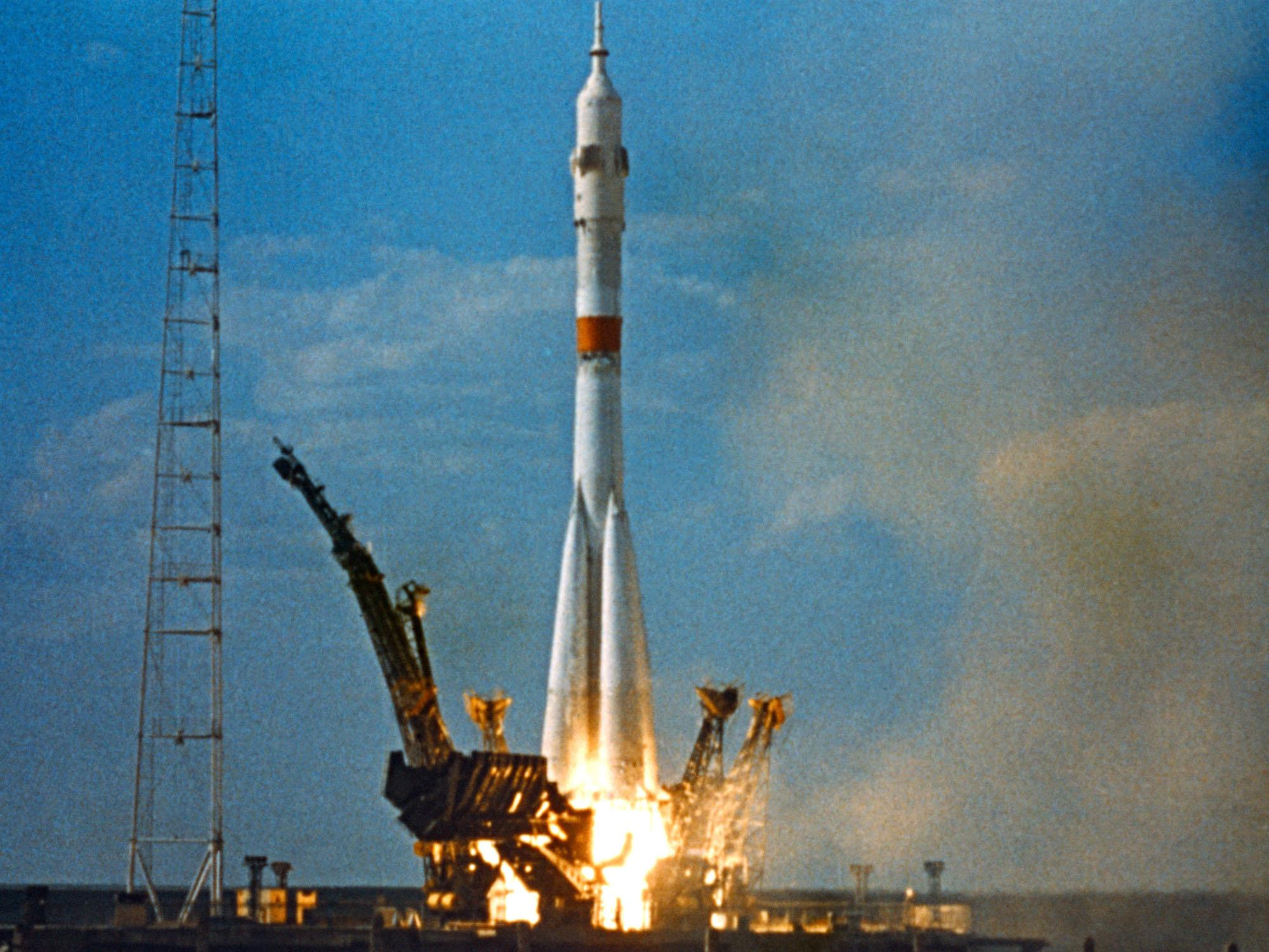 lift off apollo missions - photo #20