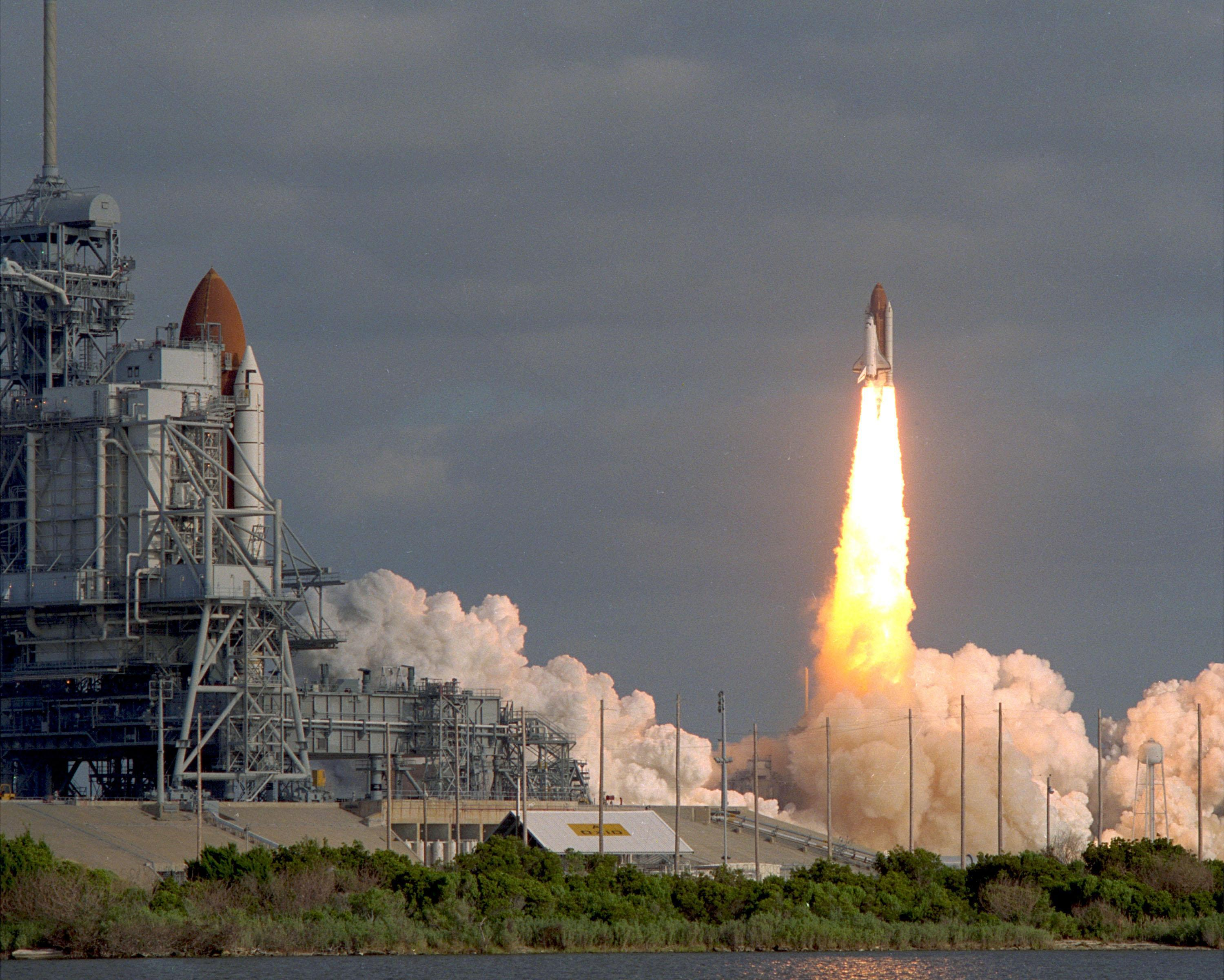 space shuttle hubble - photo #25