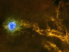 Dense filaments of gas in the IC5146 interstellar cloud
