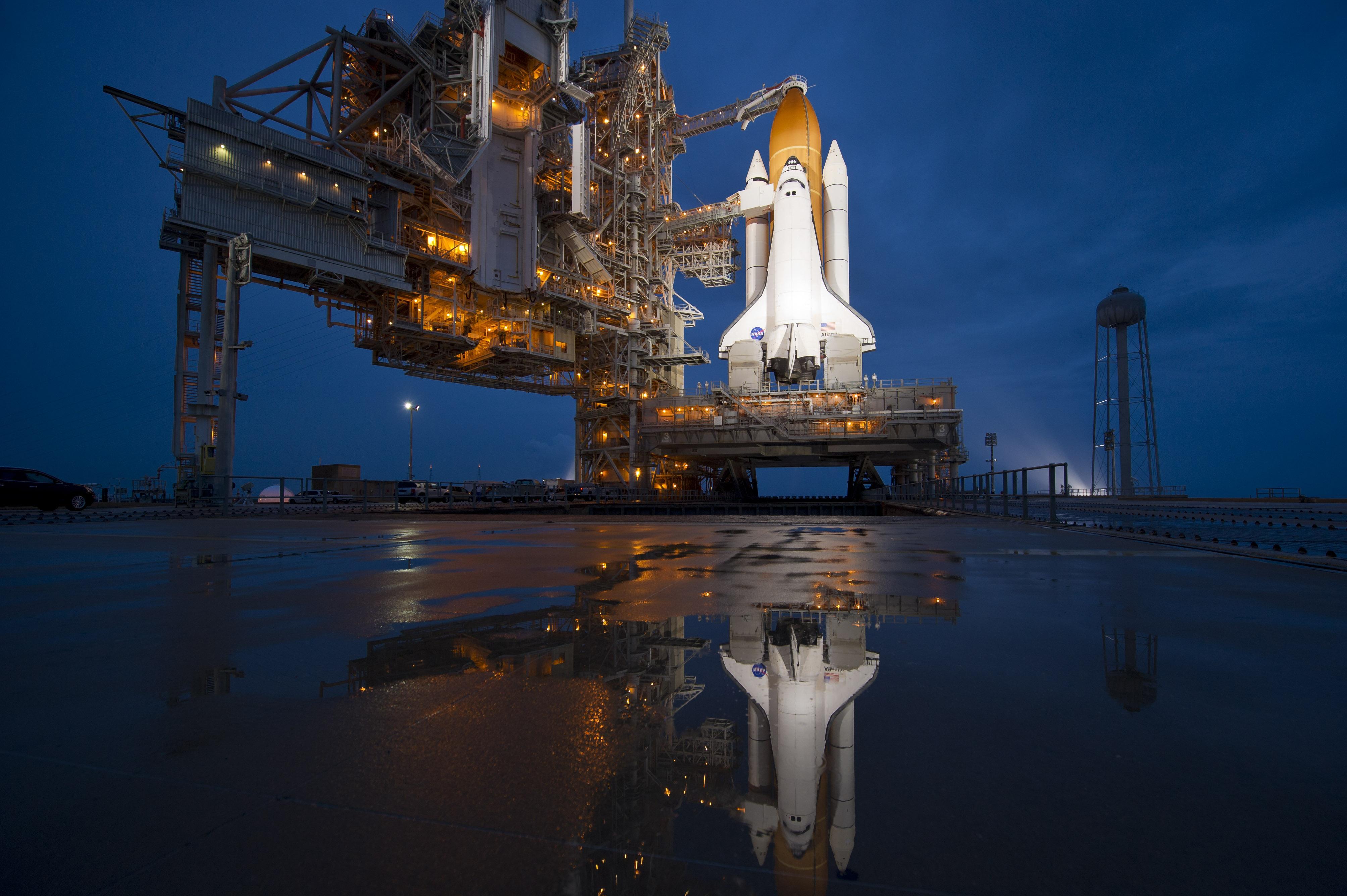 Shuttle Atlantis Takeoff Shuttle Atlantis at Launch Pad