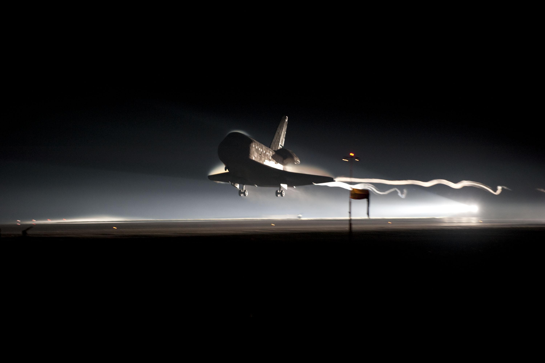 last space shuttle moon - photo #15