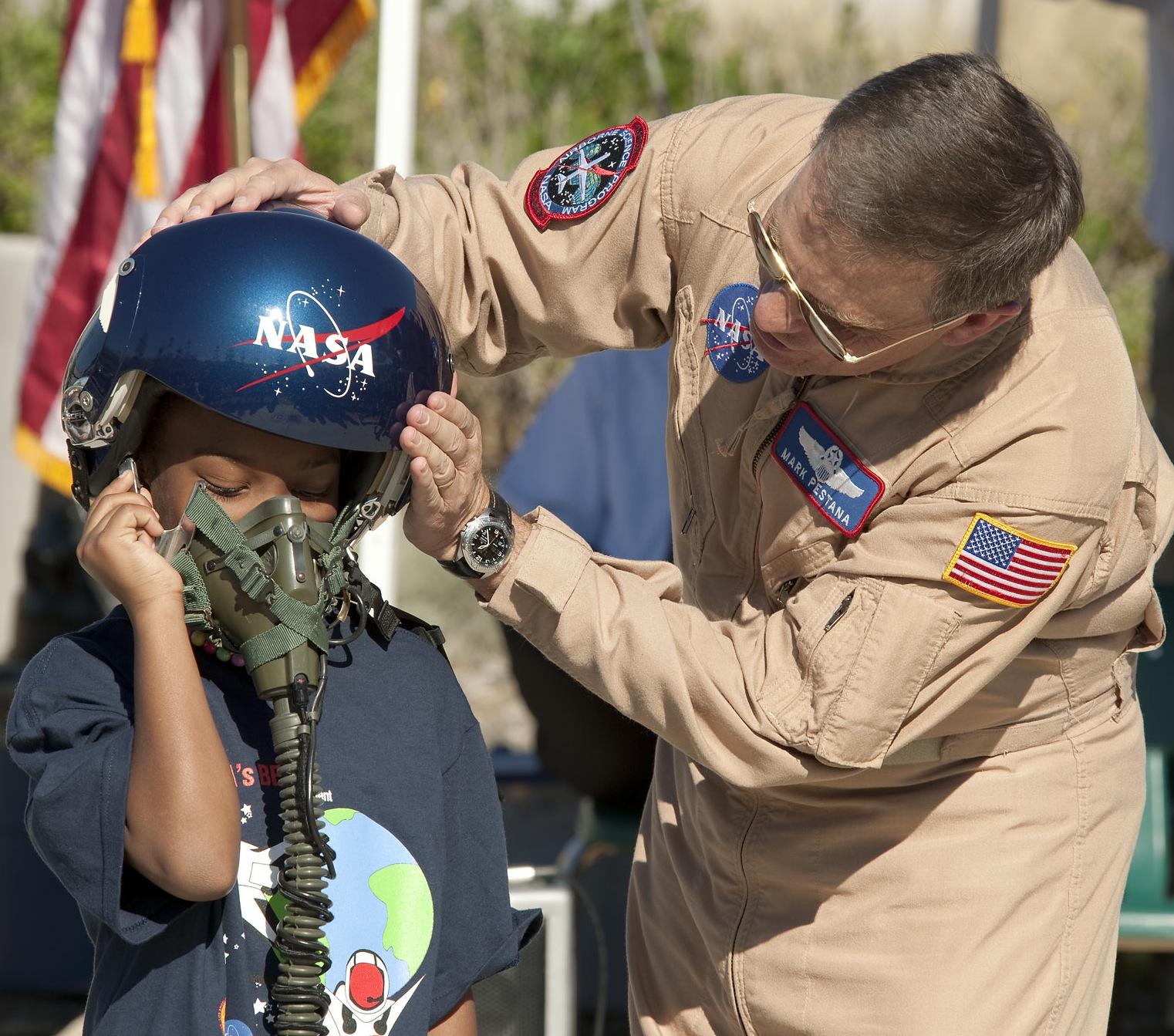 "LAUSD's ""Beyond The Bell"" Adopts NASA Curriculum   NASA"