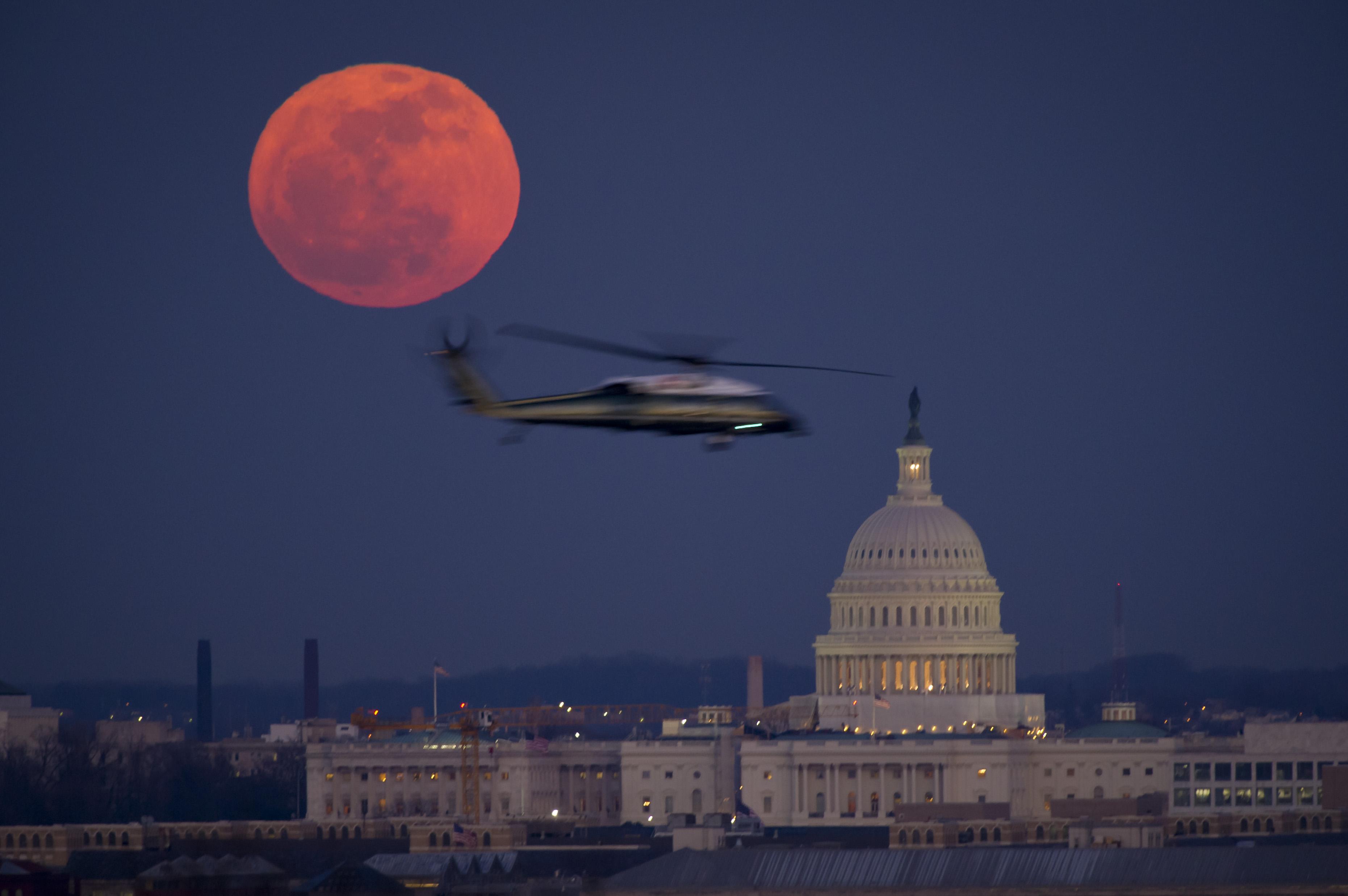 Supermoon Vs Full Moon >> Full Moon Over Washington | NASA