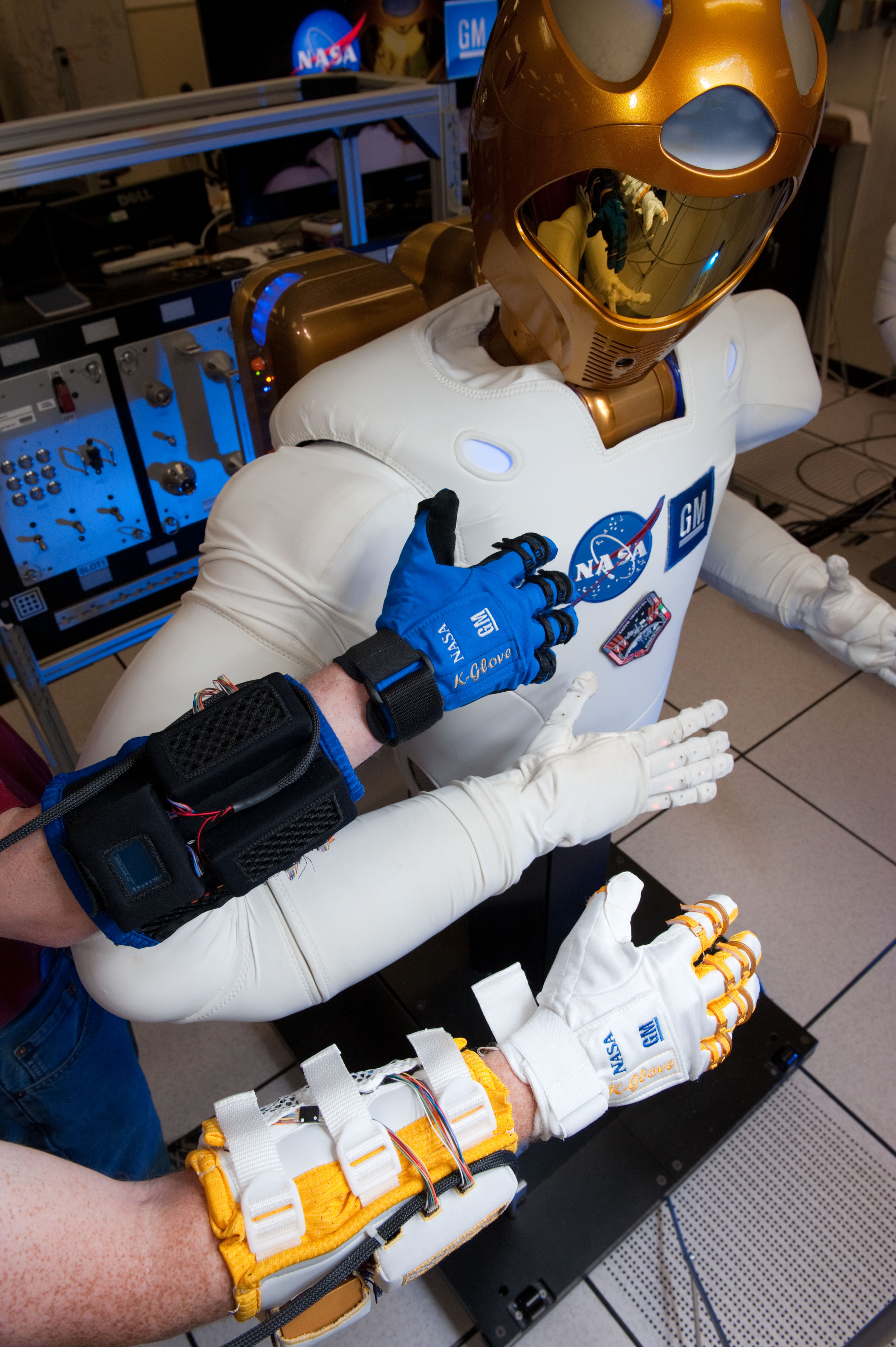 Why Astronauts Have Strong Handshakes - YouTube