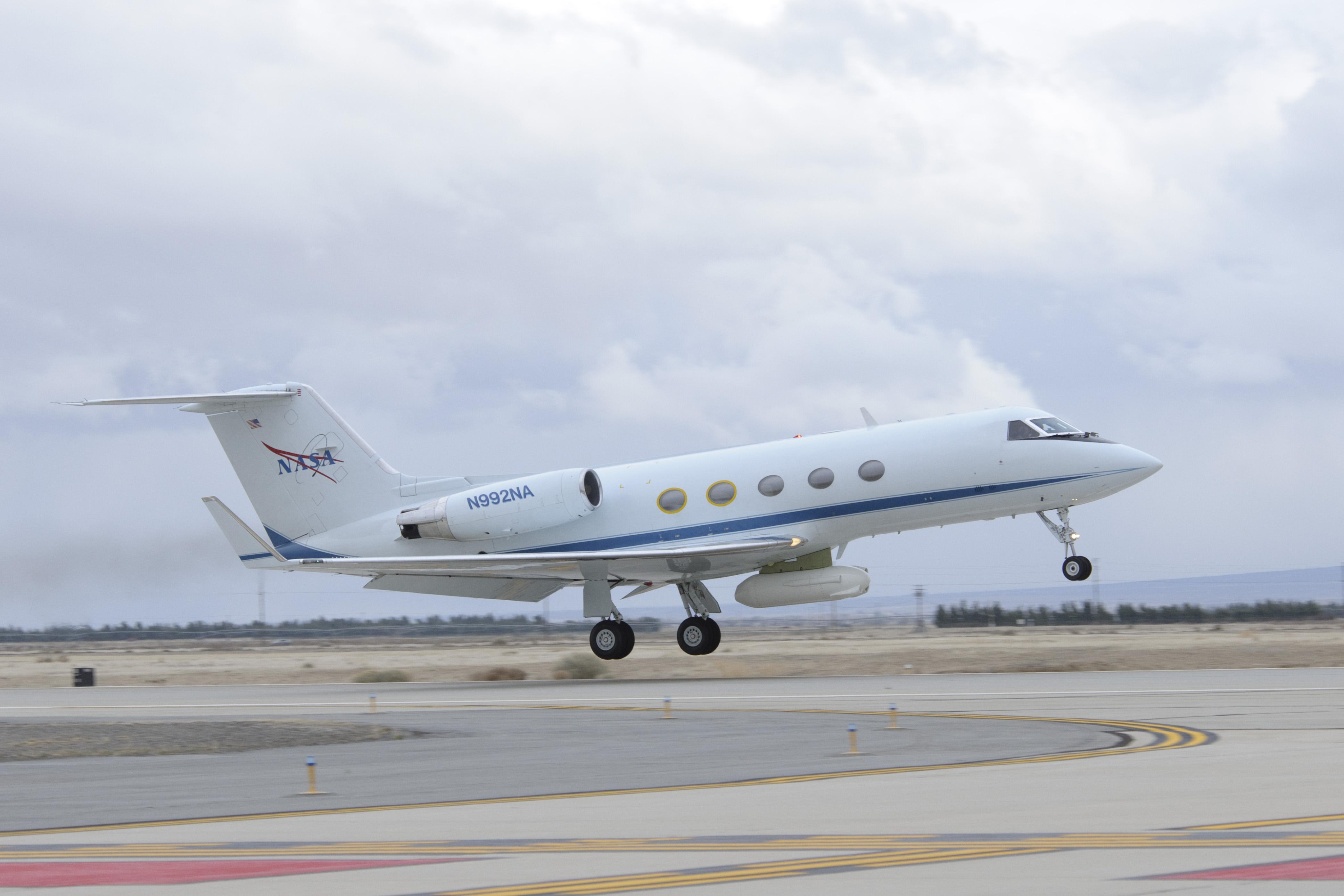 UAVSAR Installed on JSC G-III for AirMOSS Study | NASA