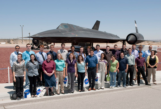 Students in front of SR-71 aircraft at DFRC.