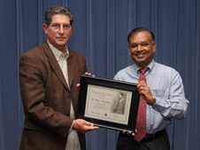Meyya Meyyappan, Ames Scientist, receives the H. Julian Allen award.