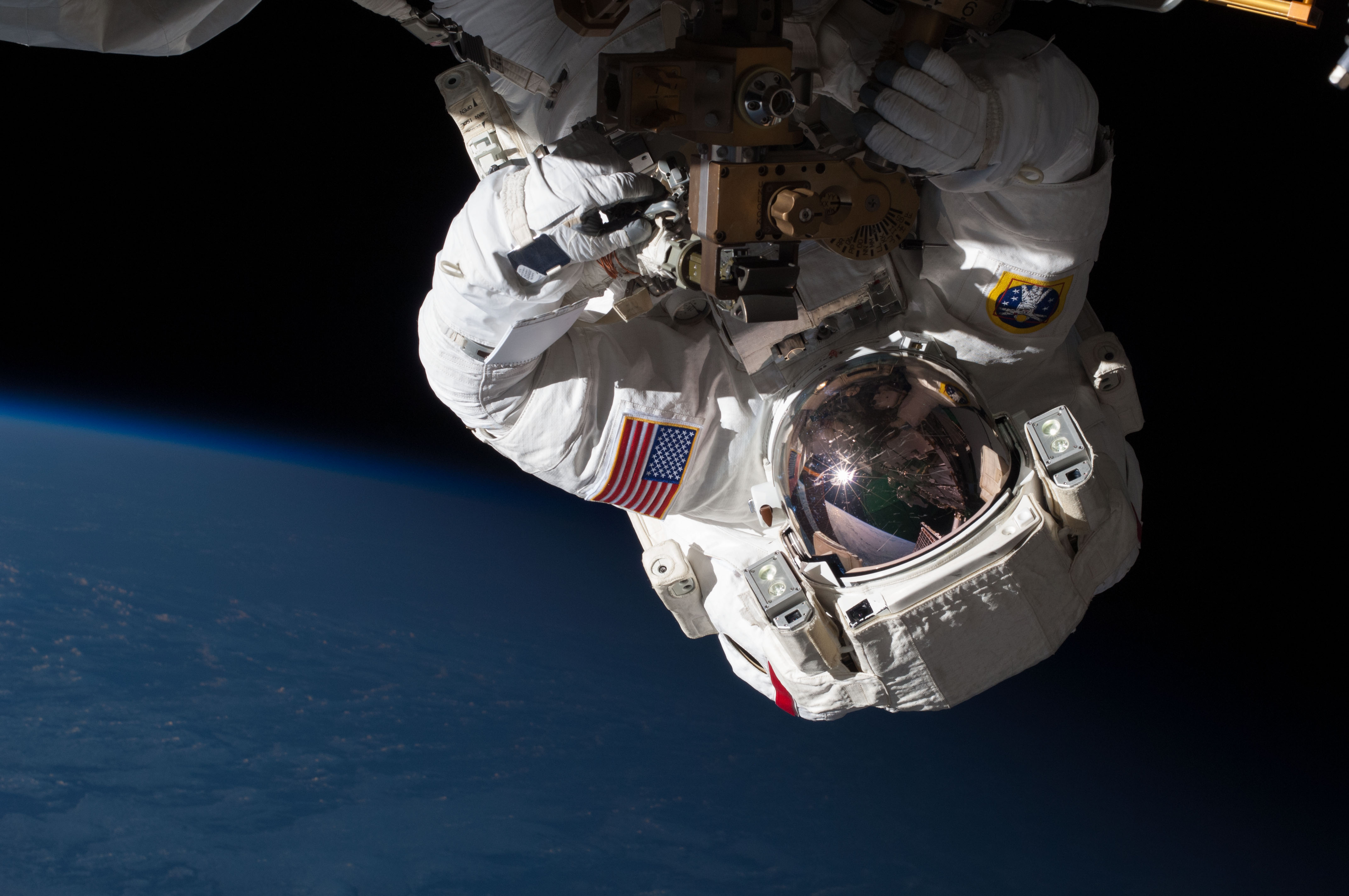 astronaut working on space station - photo #33