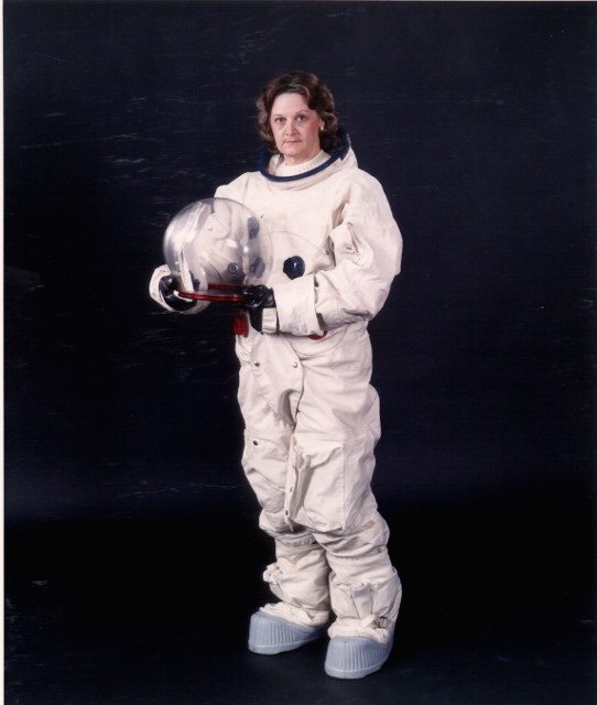 weight nasa astronaut costume - photo #33