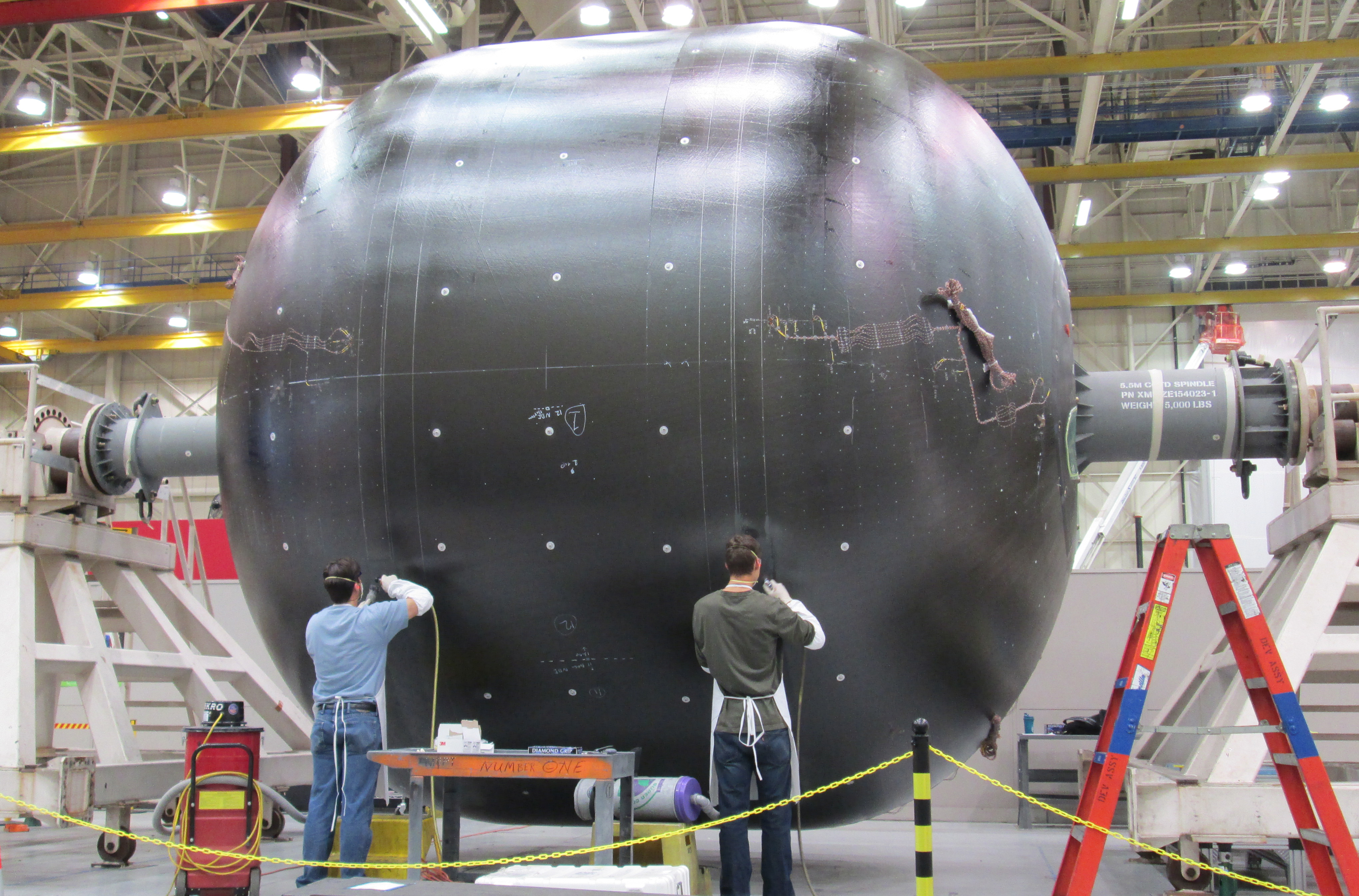 Manufacturing A Liquid Hydrogen Tank At Boeing Space