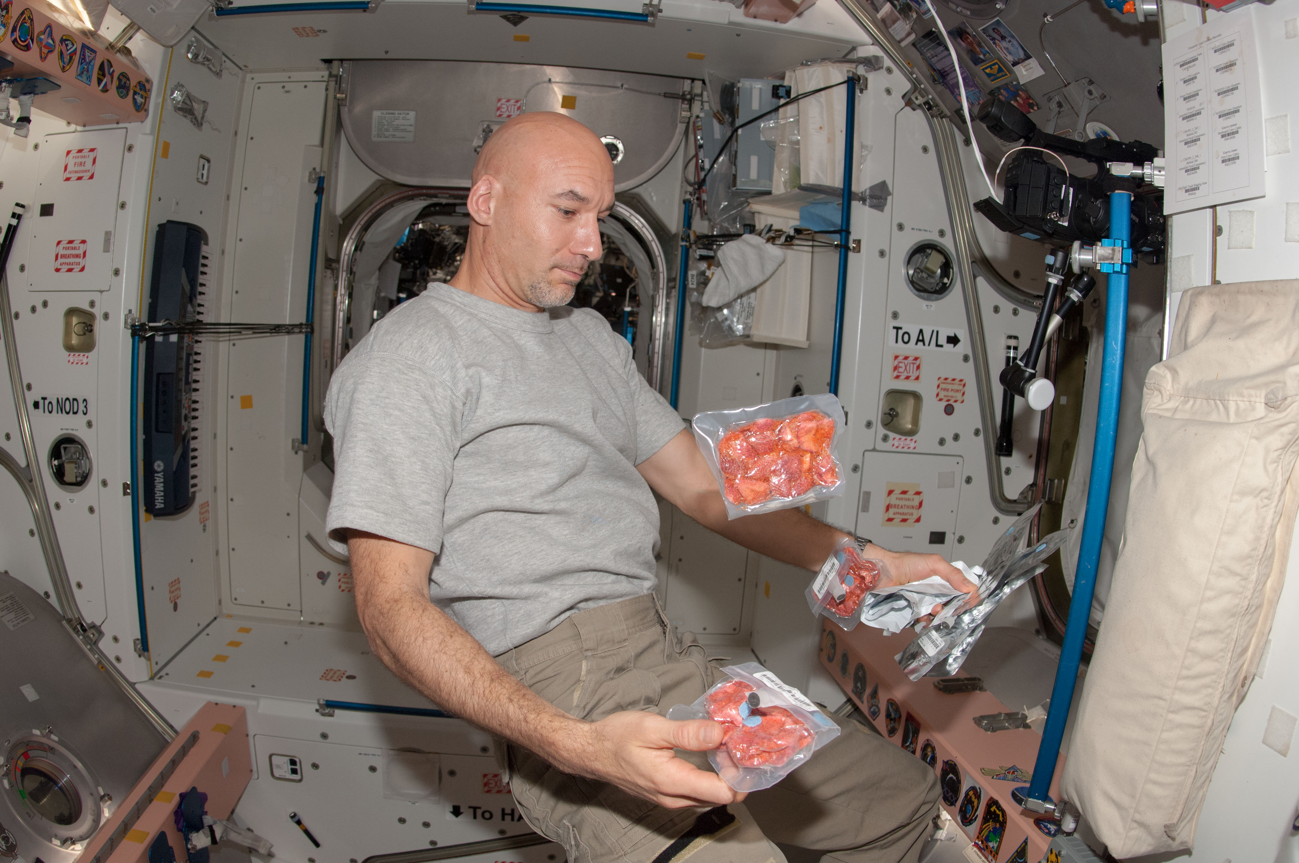 astronauts eating almonds in space - photo #4