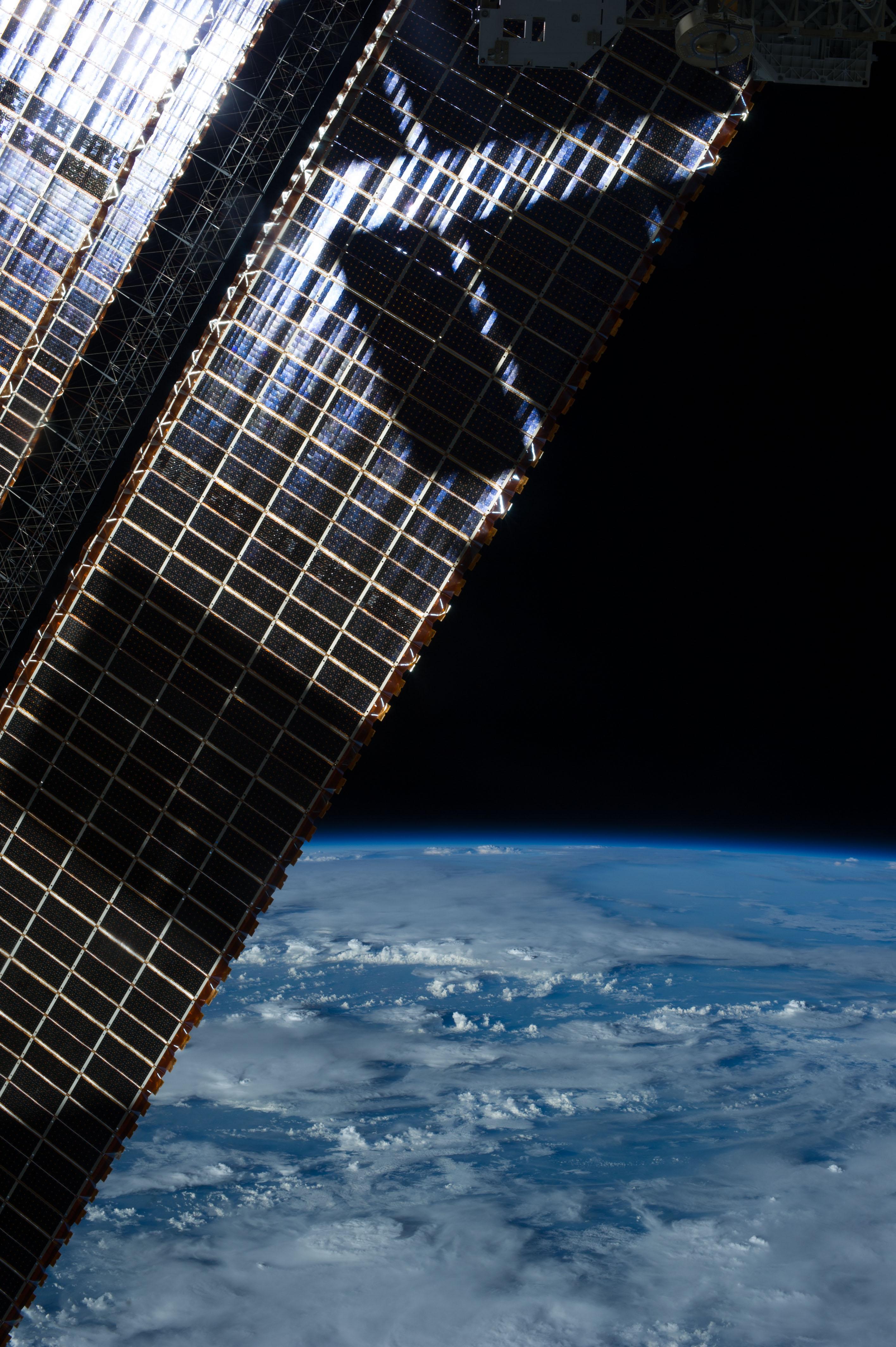 spacecraft solar array panels - photo #20