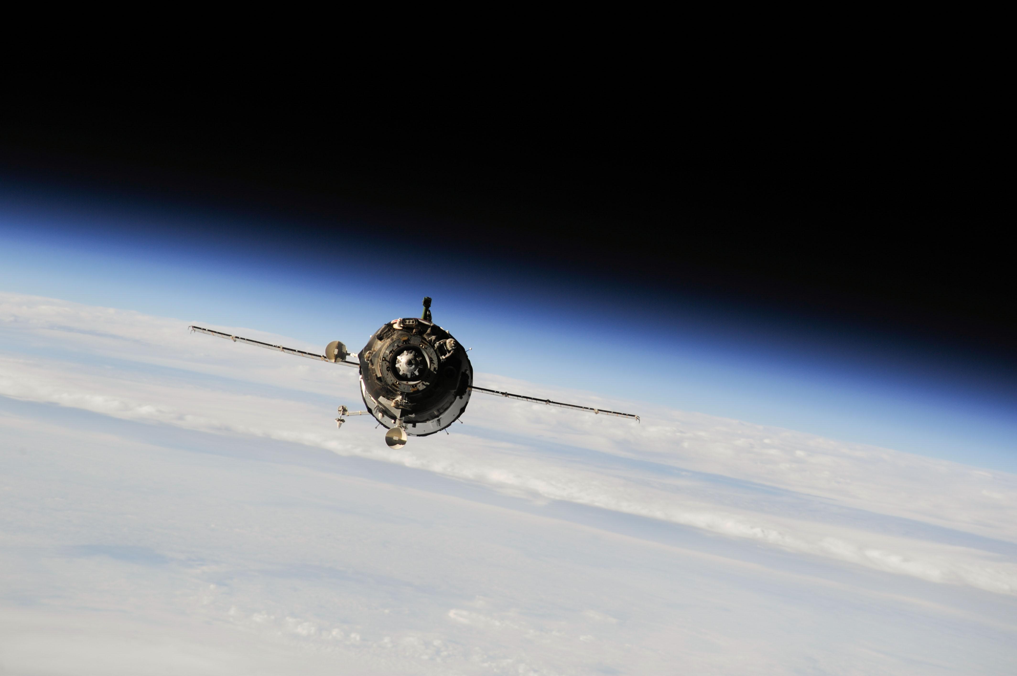 russian spacecraft soyuz - photo #46