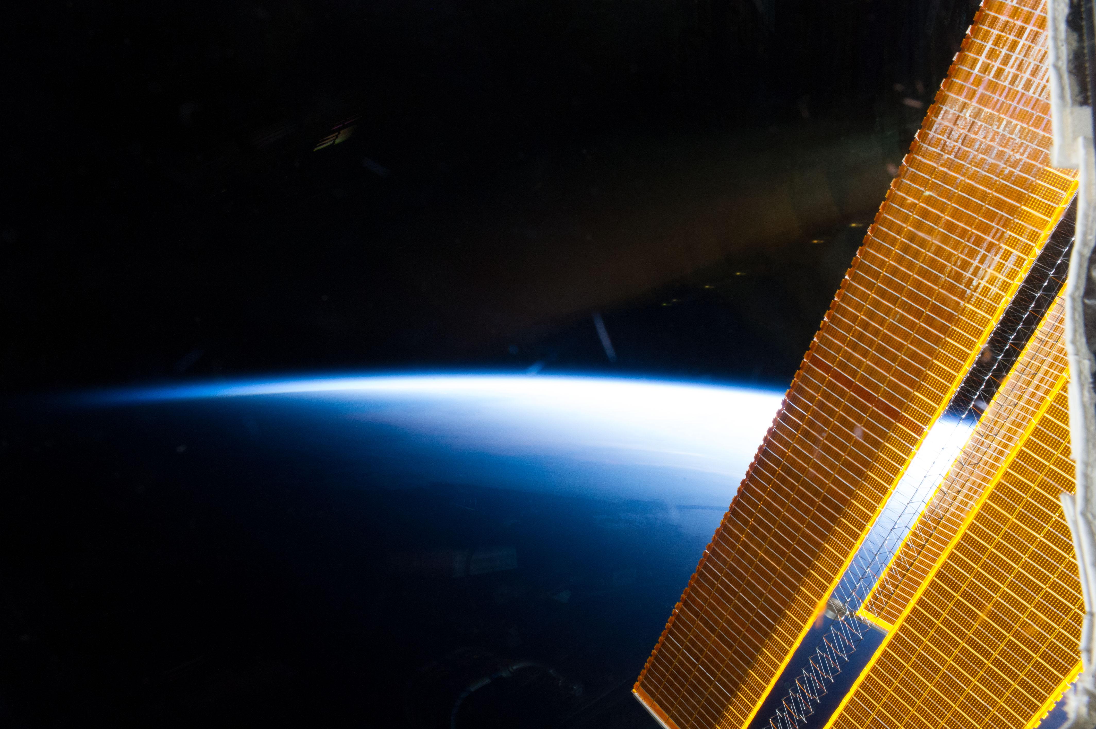 spacecraft solar array panels - photo #25