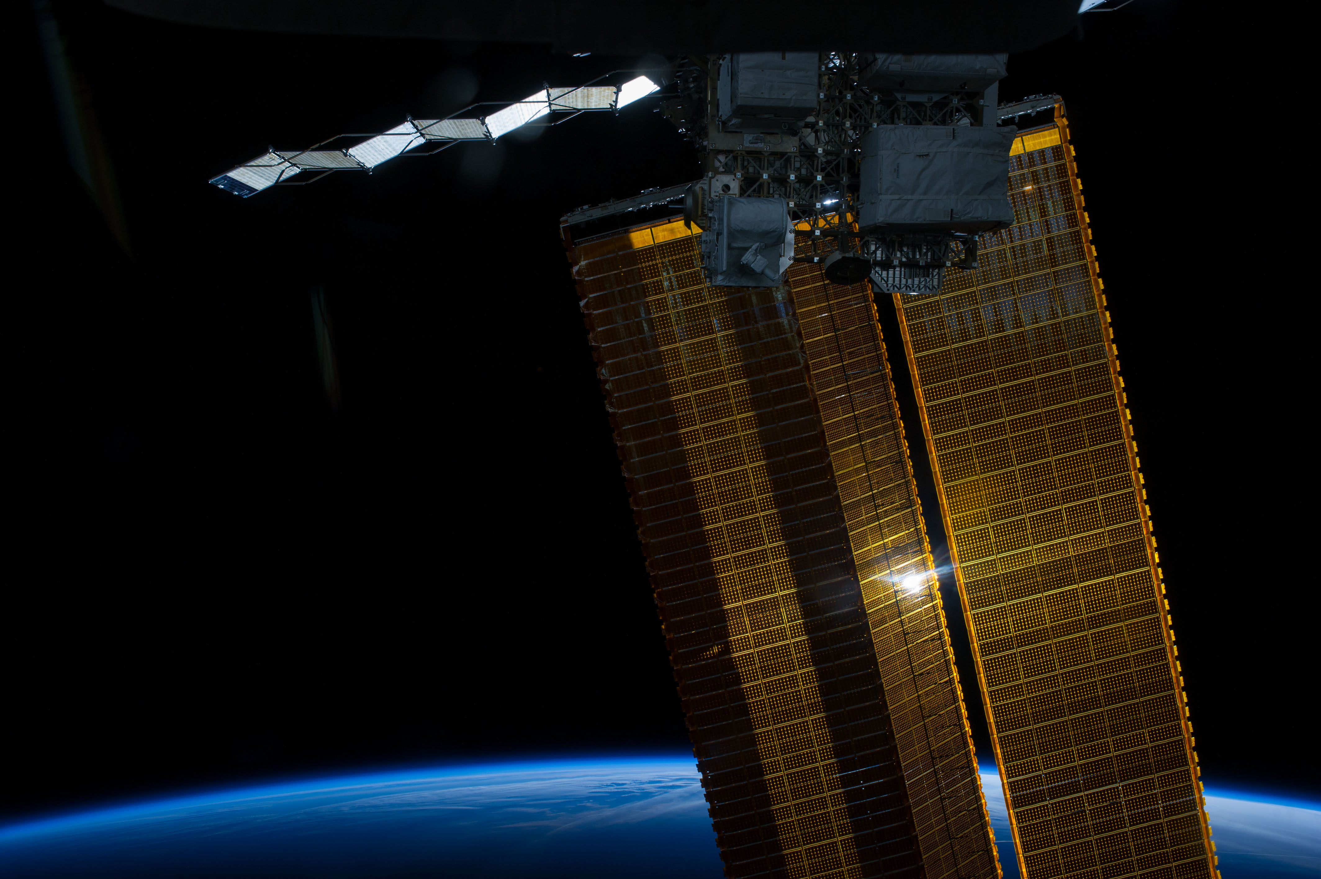 the solar space station facts information and pictures - HD4256×2832
