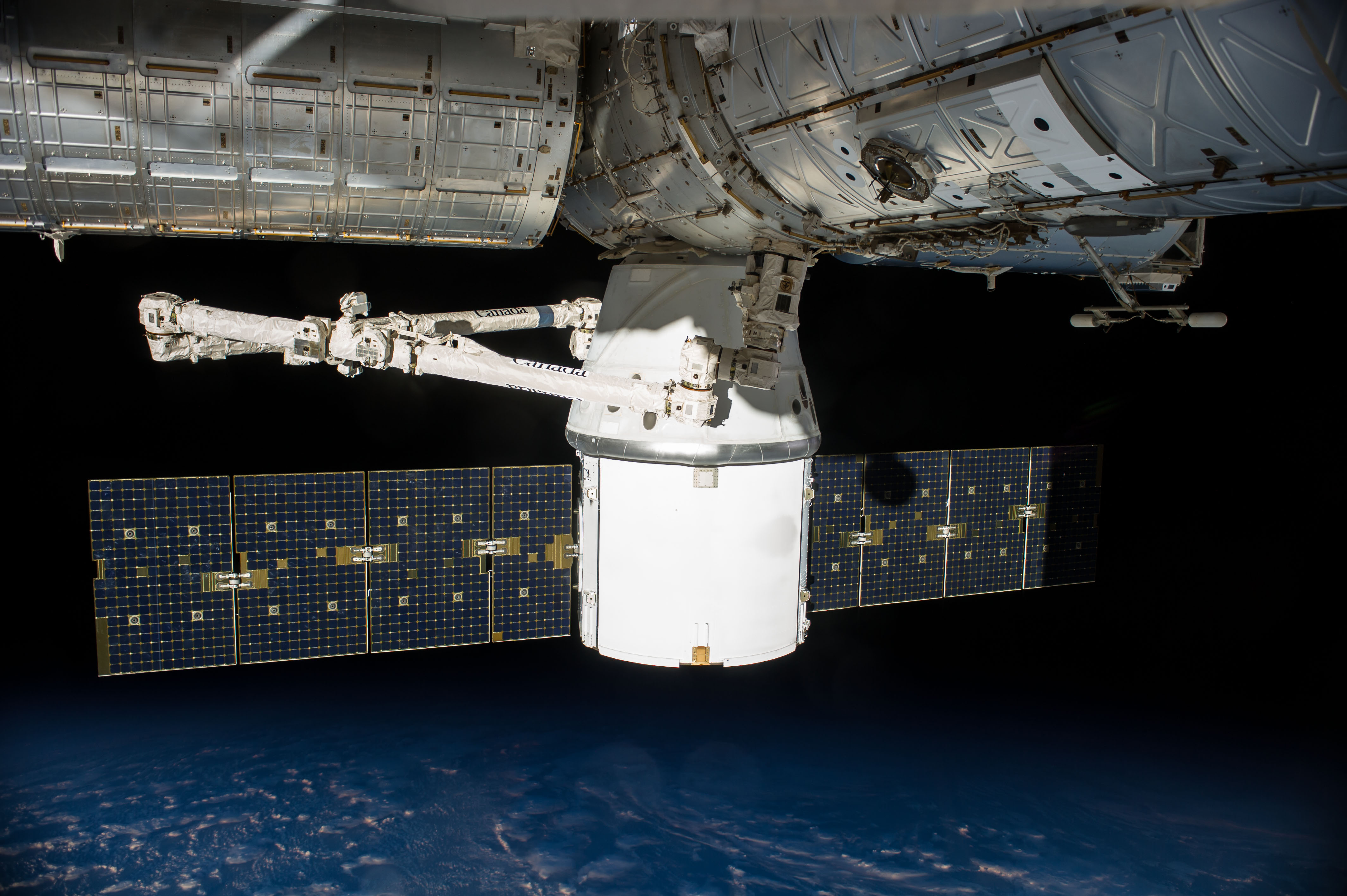 spacex dragon berthed to international space station