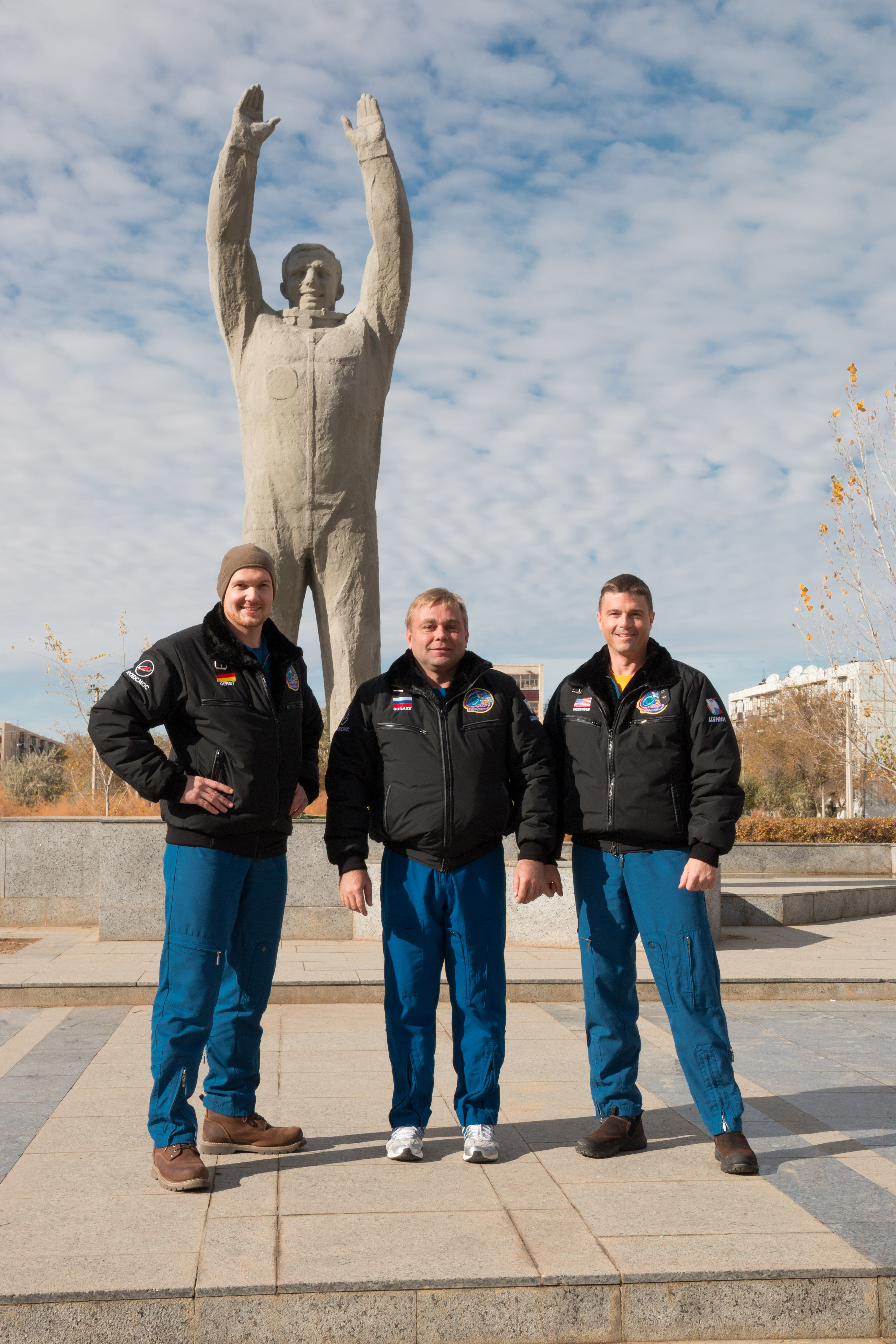 Expedition 38/39 Backup Crew Members and Statue of Yuri ...