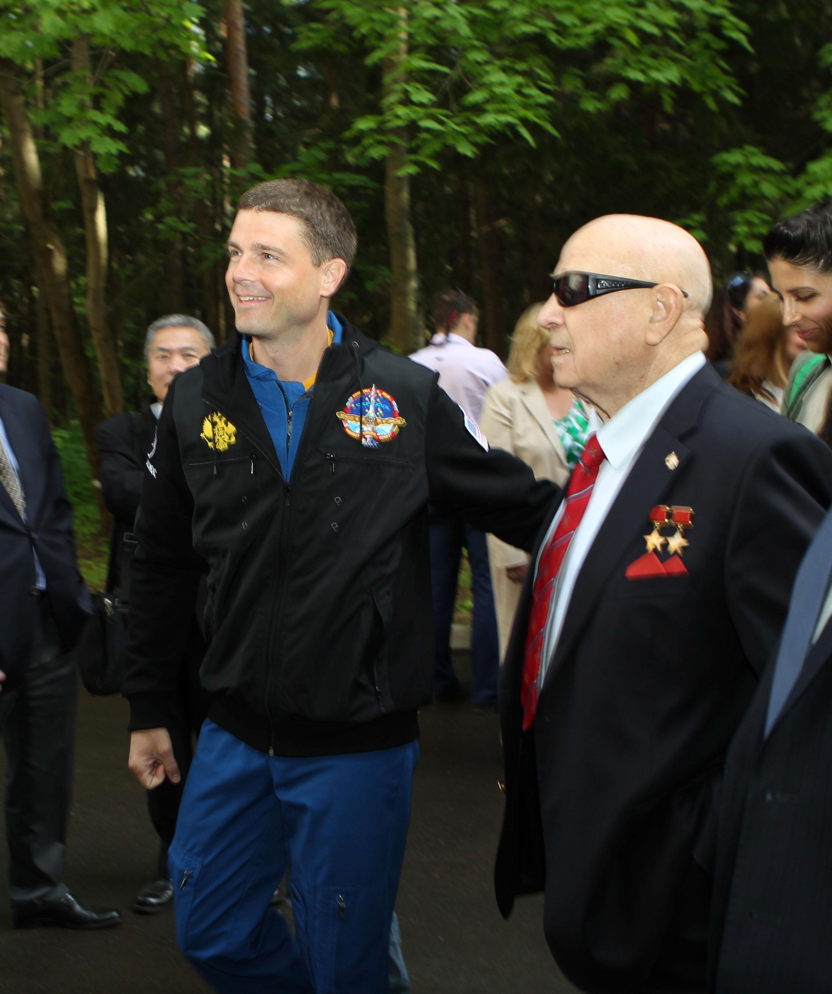 Reid Wiseman and Former Cosmonaut Alexey Leonov | NASA