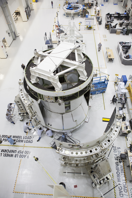 NASA Orion Crew Module Interior - Pics about space