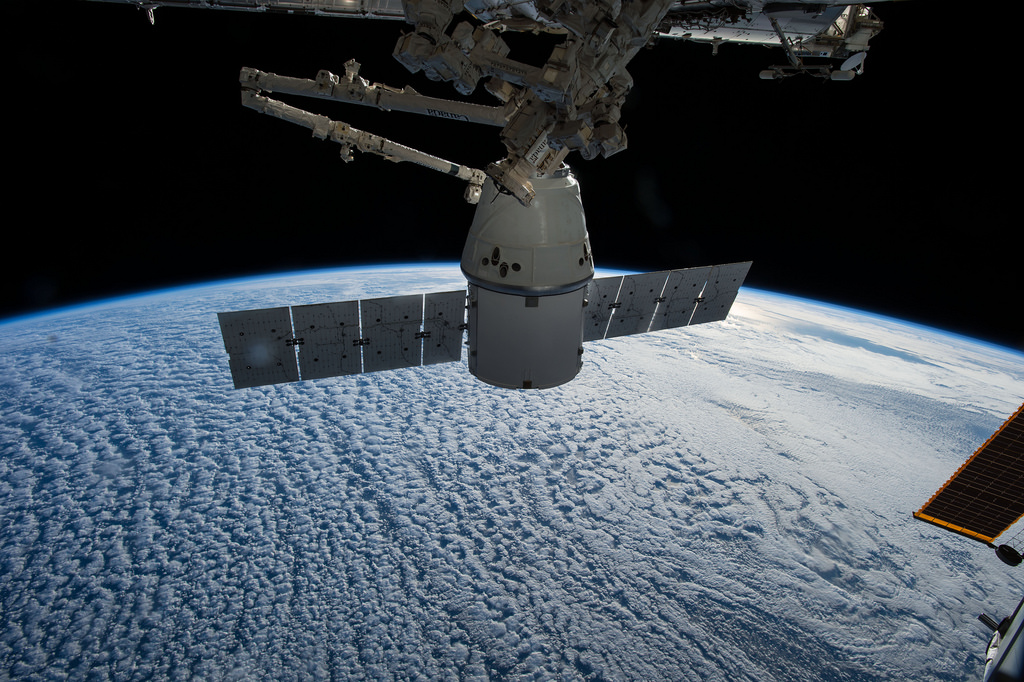 spacex dragon crs 5 ship