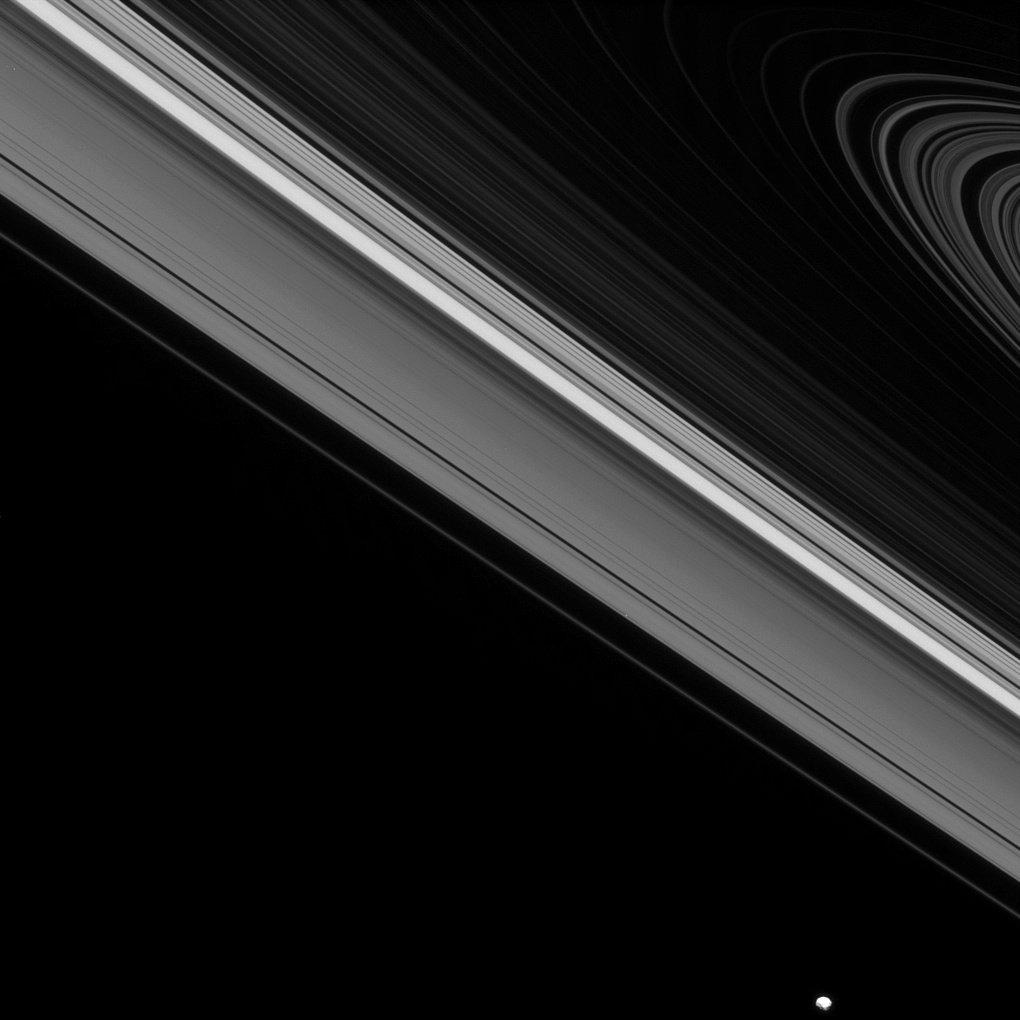 Tiny Ringed Object Beyond Saturn May Reveal Secrets About Giant Planets