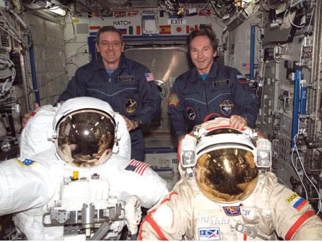 a2cc128e2aa1 spacesuits2.jpg. Astronaut ...