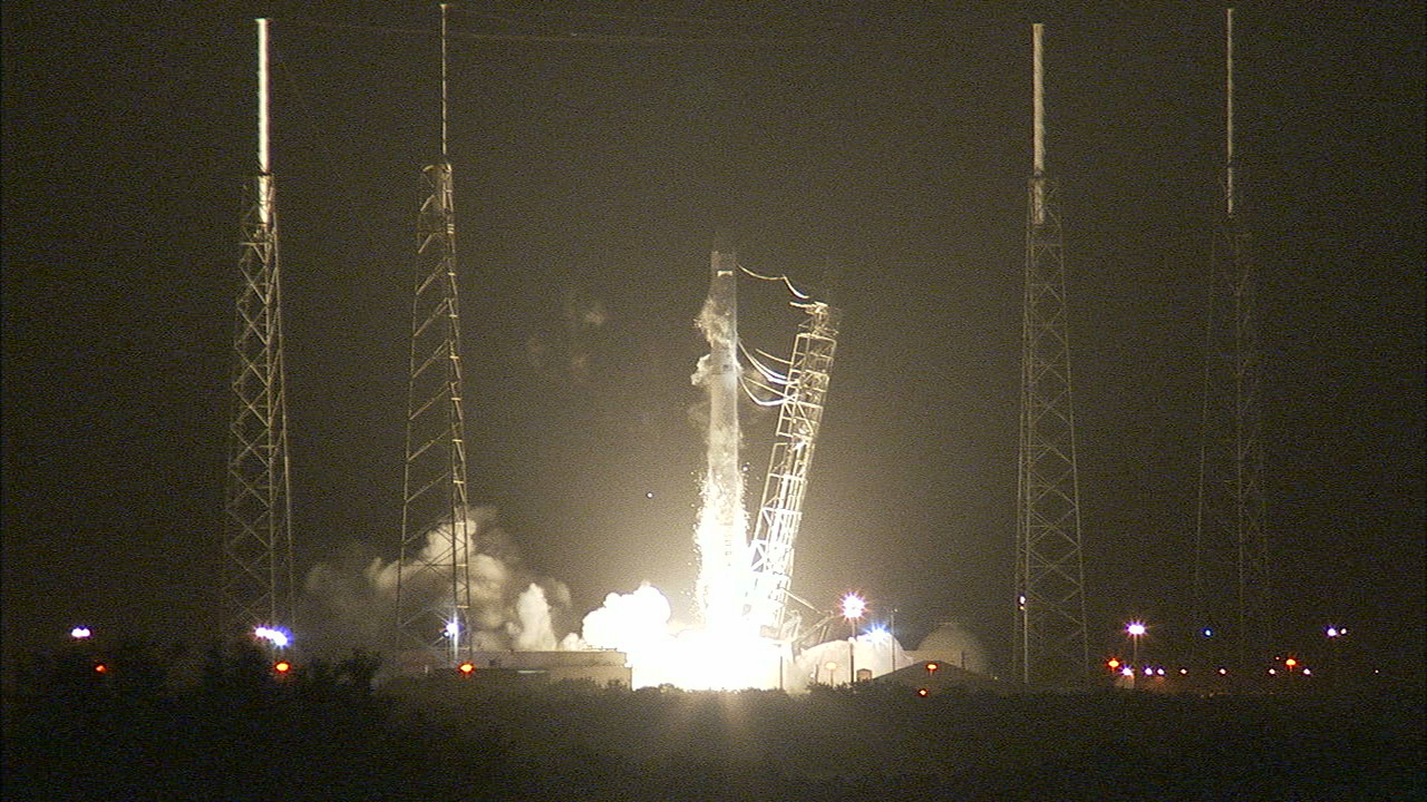 Nasa cargo launches to space station aboard spacex for Space station florida