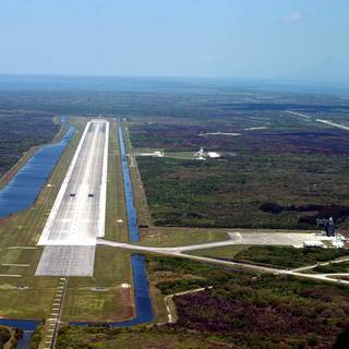 NASA Signs Agreement with Space Florida to Operate Historic Landing Facility