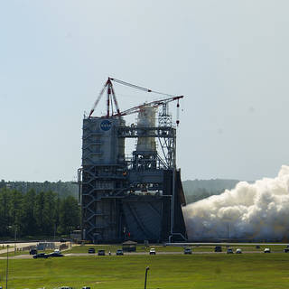 NASA Concludes Series of Engine Tests for Next-Gen Rocket