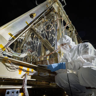 Final Cryovac Tests on James Webb Space Telescope Instruments image