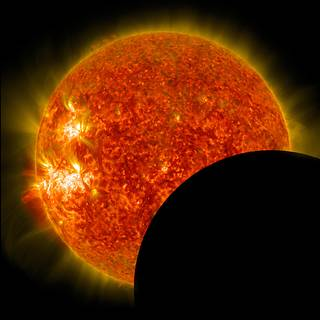 NASA Prepares for Aug. 21 Total Solar Eclipse with Live Coverage, Safety Information