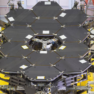 By the Dozen: NASA's James Webb Space Telescope Mirrors image