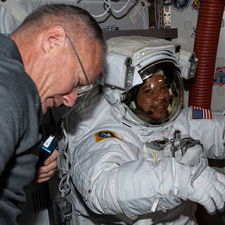 Aviation Scholars to Speak with NASA Astronauts Aboard Space Station