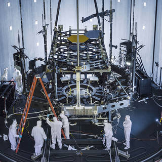 Building Hubble's Successor: Crucial Pathfinder Test Set Up Inside Chamber A image