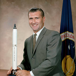 NASA Pays Tribute to Early Space Pioneer Richard Gordon