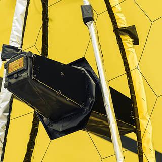 NASA Invites Media to Webb Telescope Launch Coverage Discussion thumbnail
