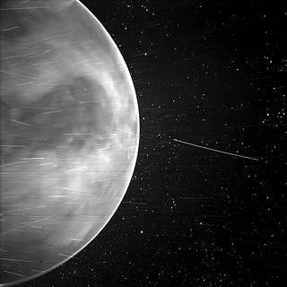 Parker solar probe pořídila překvapivý snímek nočního povrchu Venuše