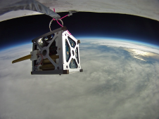 Smartphoe satellit på ISS