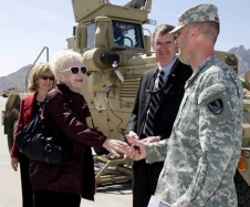 NMSU president is greeted by the 2nd Engineer Battalion Commander upon arriving at White Sands Missile Range